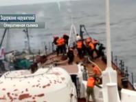 Экипаж браконьерской шхуны напал на российских пограничников в Японском море, трое военных ранены
