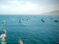 """Ситуацию усугубил недавний тайфун """"Линлин"""". По закону в случае шторма иностранные корабли могут укрываться от него вблизи российских берегов, но потом обязаны покинуть эти воды. Северокорейские суда, пользуясь этим, после тайфуна остались на промысел"""