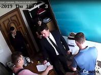 """Между тем в других городах продолжаются обыски. Как сообщил адвокат """"Агоры"""" Эльдар Шарафутдинов, в Оренбурге прошли обыски у руководителя штаба Навального Евгения Невечере и бывшего главы штаба Андрея Козлова"""