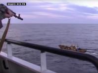 Сотрудники пограничного управления ФСБ России по Приморскому краю в пятницу задержали три шхуны и пять мотоботов с 262 северокорейскими рыбаками на борту по подозрению в браконьерстве