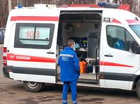 17 ноября бригада скорой помощи приехала в дом на Ярцевской улице к пациентке с инсультом, живущей на 15 этаже, и приняла решение госпитализировать ее. Однако грузовой лифт с медиками и женщиной на носилках застрял на полчаса