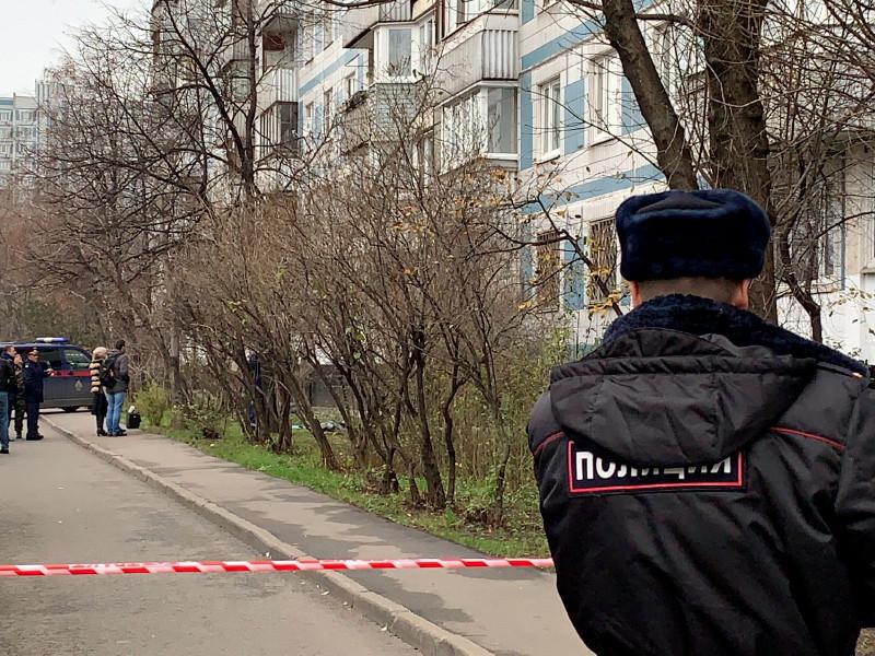 Женщина с двумя детьми покончила с собой в Москве после нескольких звонков в скорую