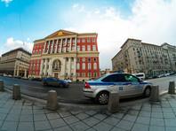 Автомобиль мэрии Москвы сбил пешехода на тротуаре (ВИДЕО). Водитель утверждает, что Audi сама рванула задним ходом со стоянки