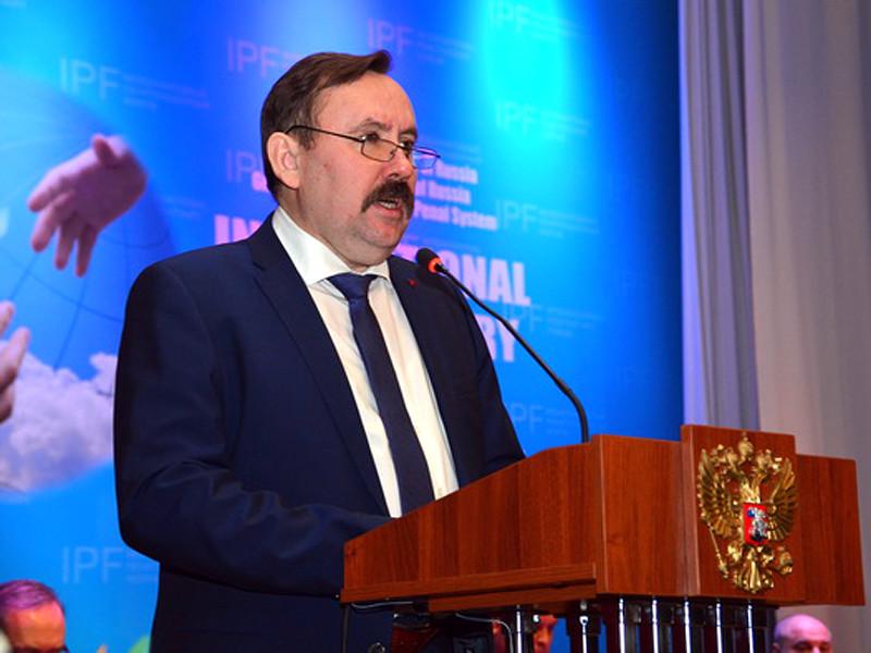 Директор ФСИН Александр Калашников назвал применение силы к заключенным в колониях со стороны персонала отдельными случаями, а не системой, и пообещал их изжить