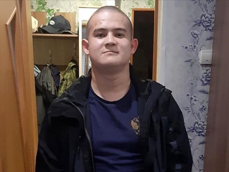 Издание Baza без указания источника информации опубликовало показания солдата-срочника Рамиля Шамсутдинова, который расстрелял восьмерых сослуживцев в Забайкалье