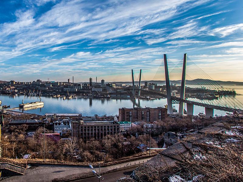 Законодательное собрание Приморья сразу в трех чтениях единогласно приняло закон, наделяющий Владивосток официальным статусом столицы этого региона