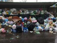 Ситуацию с мусором усугубляет халатность операторов