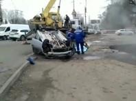 Как уточнили в пресс-службе ГУ МЧС по Пензенской области, провал грунта произошел в связи с прорывом трубы горячего водоснабжения, в яму упал автомобиль Lada Largus
