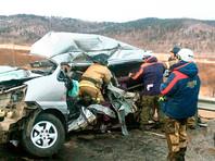 ДТП с участием двух грузовиков и микроавтобуса, в результате которого погибли семь человек и еще двое получили травмы, произошло 14 ноября
