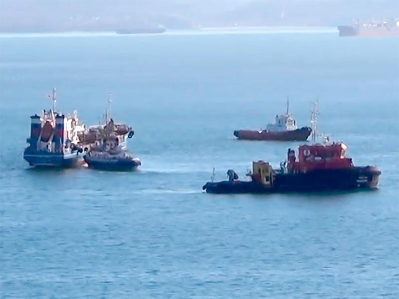 """Три человека погибли при взрыве на танкере """"Залив Америка"""" в заливе Находка возле мыса Астафьева. На танкере взорвалась газовоздушная смесь. Всего на судне было 9 членов экипажа"""