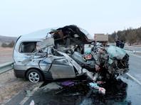 Следственное управление Следственного комитета РФ по Забайкальскому краю предъявило обвинение водителю одного из грузовиков, столкнувшихся в ночь на четверг с микроавтобусом