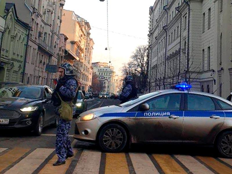 Эвакуация людей в Верховном суде, Москва, 6 декабря 2019 года