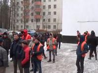 """В Москве недовольных зарплатой коммунальных рабочих несколько часов продержали в полиции за """"митинг"""""""