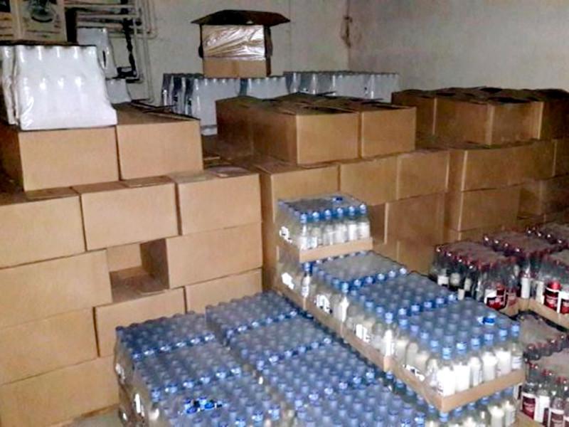 В Челябинской области перед судом предстанут три местные жительницы, наладившие производство алкоголя на законсервированном заводе в Верхнеуральске