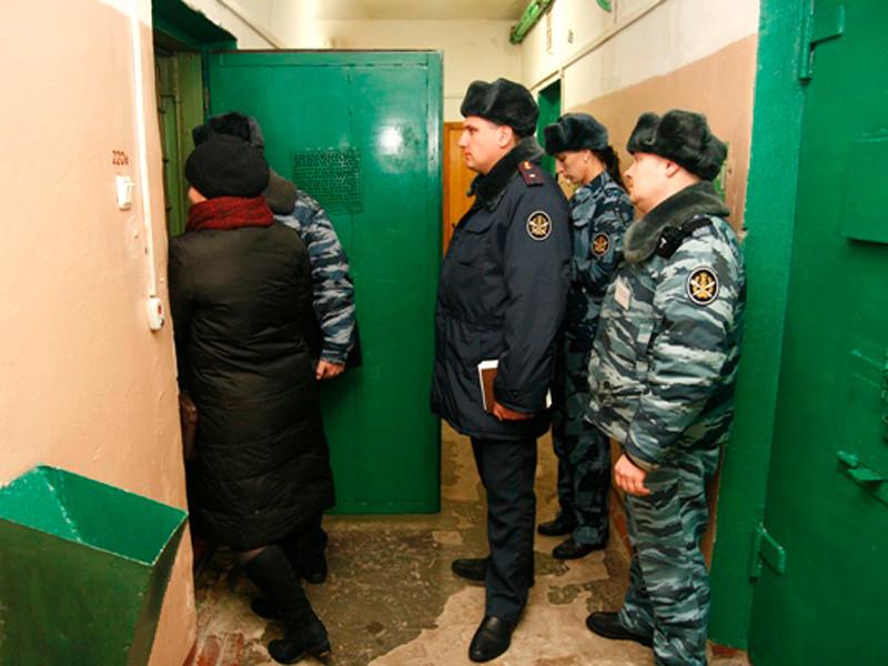 С 2015 по 2018 год в России было возбуждено 148 уголовных дел об избыточном применении силы со стороны сотрудников колоний и СИЗО. Такие детальные сведения о насилии в местах лишения свободы Следственный комитет РФ обнародует впервые