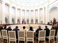 На встрече с руководством Федерального собрания 24 декабря президент в очередной раз заговорил об изменении Конституции