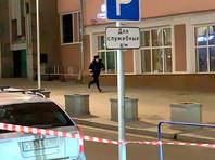 Сначала стрелок пытался проникнуть в приемную ФСБ на Кузнецком мосту, а затем направился в сторону штаб-квартиры спецслужбы на Лубянке, 2