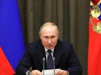 Если в первые годы президентства Владимира Путина журналисты регулярно общались с президентом в том числе и неформально и могли сколько-нибудь достоверно рассказывать о нем стране, то теперь журналистов некогда престижного кремлевского пула даже не всегда приглашают на мероприятия