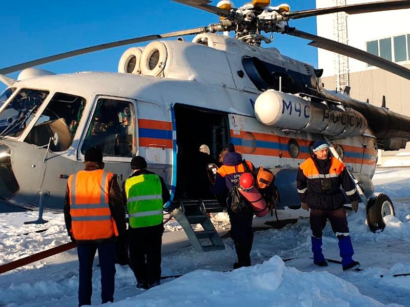 Двух человек, выехавших на снегоходе накануне и исчезнувших в Свердловской области, ищет спасательная группа