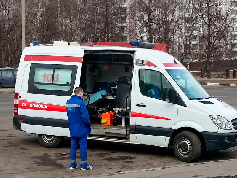 Группа нетрезвых молодых людей напала на сотрудников скорой помощи, которые приехали по вызову в один из домов в Долинске