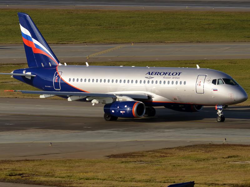 """SSJ-100 """"Аэрофлота"""" не смог вылететь из Челябинска в Москву из-за отказа двигателя"""