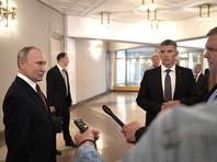 Как отмечают авторы материала, в период первого срока Путина в Кремле придерживались концепции, что абсолютно подконтрольным властям должно быть только телевидение, а остальные СМИ могут быть относительно свободными