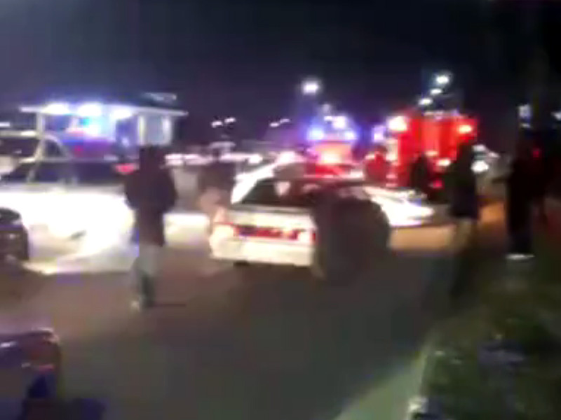 31 декабря двое мужчин сбили полицейского на машине возле поста ДПС в Магасе, а затем напали на сотрудников полиции с ножами. В результате один полицейский погиб, а еще трое пострадали