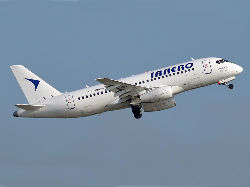 """Авиакомпания """"ИрАэро"""" требует 1,9 млрд рублей от производителя SSJ-100 за простой самолетов"""