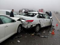 """В Адыгее на трассе """"Дон"""" из-за тумана и гололеда столкнулись 25 автомобилей, два человека погибли (ВИДЕО)"""