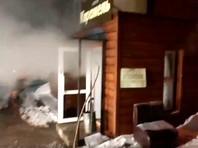 """Режим чрезвычайной ситуации введен в Перми, где в ночь на понедельник в мини-отеле """"Карамель"""" погибли пять человек, а еще шестеро пострадали. Люди получили ожоги в результате прорыва трубопровода с горячей водой"""