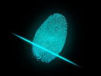 """Университет """"Синегрия"""" получил штраф за сбор отпечатков пальцев у школьников для лженаучного теста"""