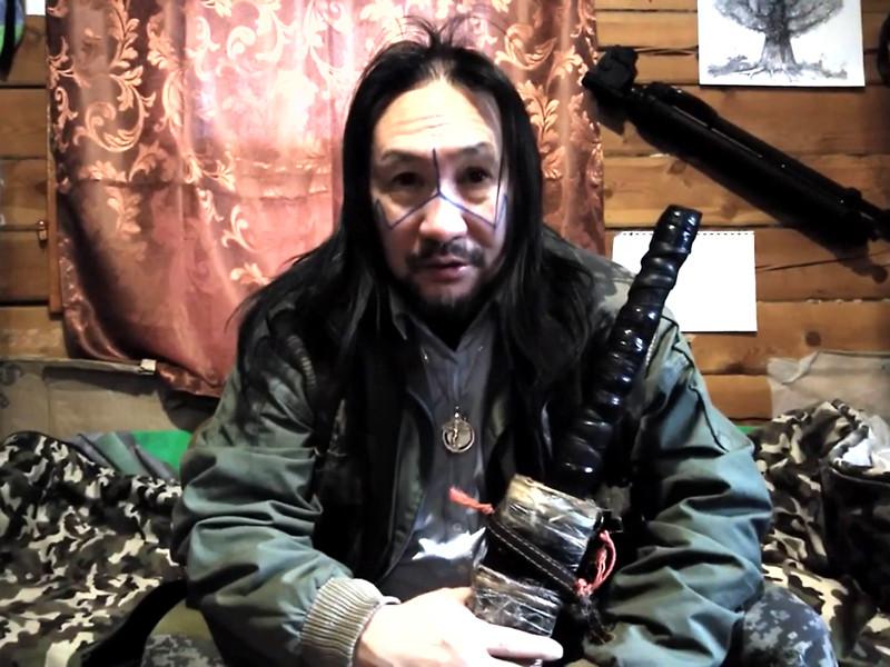 СК не стал возбуждать против шамана Габышева уголовное дело о нападении на силовиков с мечом