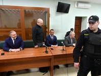 Суд не стал назначать Чваркову дополнительного наказания в виде штрафа, а также лишать его воинского звания. Защита генерала обжалует приговор. Гособвинение не стало комментировать вопрос с обжалованием итогового решения суда