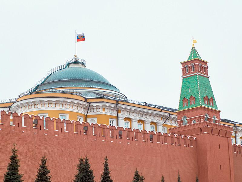 """Кремль создает к выборам иллюзорные партии """"танчиков"""" и """"диванных воинов"""", но подумывает пустить в Госдуму Дудя и Шнура"""