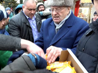 """Жириновский пояснил свои слова о """"крепостных и холопах"""", а ему переадресовали вопрос: """"Ты чьих будешь? Чей холоп, спрашиваю?"""" (ВИДЕО)"""