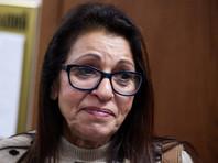 Мать Наамы Иссахар ожидает у подмосковной колонии освобождения дочери