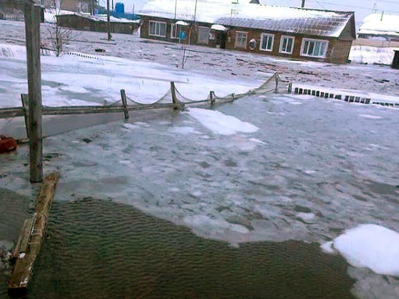 В Охотском районе Хабаровского края ввели режим ЧС из-за подтопления трех населенных пунктов