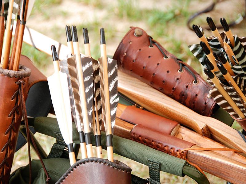 """30 января вступили в силу поправки к закону """"Об оружии"""", разрешающие охотиться с луком и арбалетом. Для этого нужно получить охотничий билет и разрешение на хранение и ношение охотничьего оружия"""