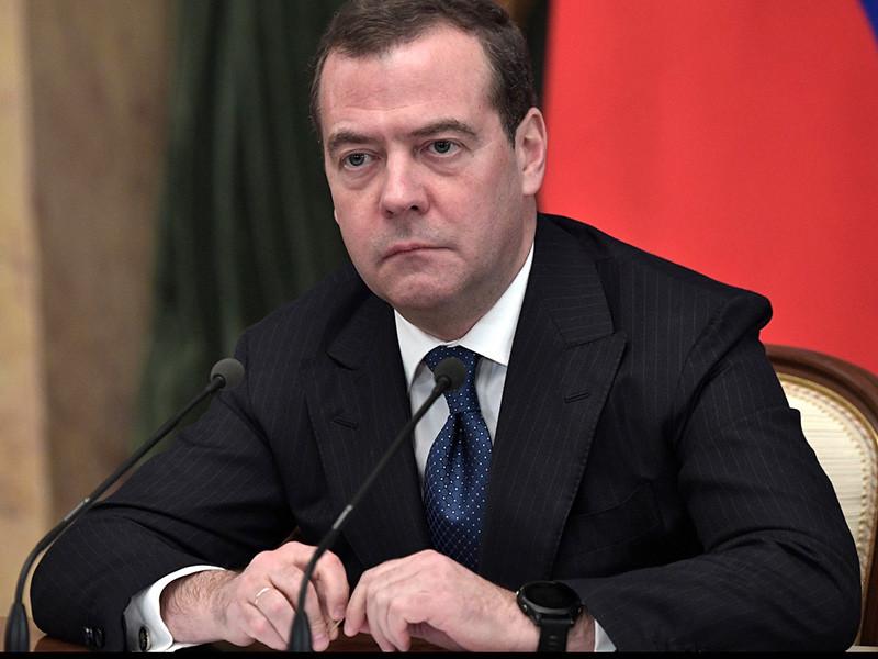 Отправленный в отставку Медведев выступал за политическую реформу в РФ по примеру США