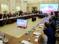 """СМИ: члены рабочей группы по поправкам в Конституцию предложили переименовать президента в """"Верховного правителя"""", в Кремле """"удивились"""""""