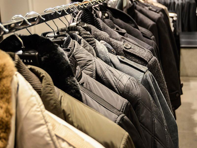 Продажи одежды и обуви в России упали впервые с 2015 года