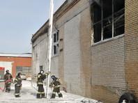 Возгорание началось в 12:34 (10:34 по Москве). При пожаре никто не пострадал. На Троицкий тракт, где находится цех, направлена лаборатория для замеров ПДК. Жилья поблизости нет