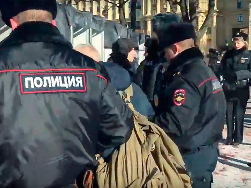 В Петербурге на акции памяти Немцова прошли задержания (ФОТО, ВИДЕО)
