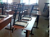 В Перми школьник на коленях умолял учителя отпустить его в туалет