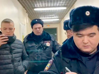 """Полицейские сорвали съемки клипа Pussy Riot на киностудии """"Ленфильм"""""""