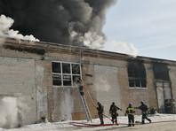 В Челябинске частично обрушился загоревшийся завод пластиковой посуды, город заволакивает едким дымом