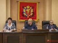Керченских чиновниц, оскандалившихся с вручением пирогов ветеранам войны, отправили в отставку
