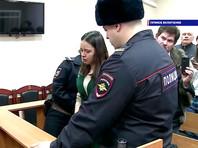 В Омске приговорили к реальным срокам пару, которая наказывала ребенка стоянием на гречке и довела его до операции