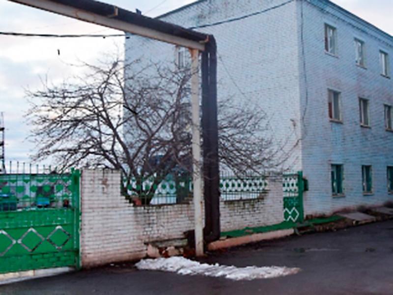 В Курской области возбуждено уголовное дело об убийстве (ч. 1 ст. 105 УК РФ) после обнаружения в общежитии города Железногорска гражданина Китая с проникающим ранением шеи