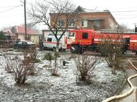 Два человека погибли, один госпитализирован в результате взрыва бытового газа в трехэтажном доме в городе Азове Ростовской области. Эвакуированы 49 человек